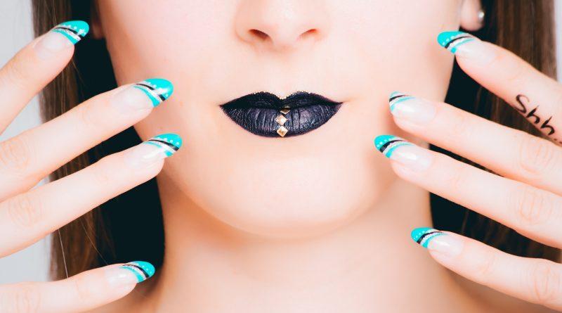 Ozdoby panzokci. Metody i formy stylizacji płytki paznokcia.